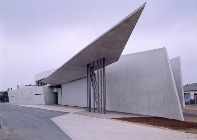 Vitra-feuerwehrstation-Weil-am-Rhein-Beton-Konstruktion-Stuhlmuseum
